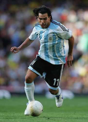 http://futbolmania12.files.wordpress.com/2008/07/carlos-tevez2.jpg